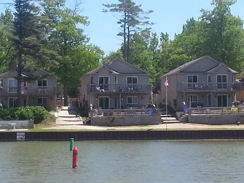 fabulous waterfront setting overlooking main beach 1 - Private & Exclusive Waterfront 1 to 6 bdrm Villas - Wasaga Beach - rentals