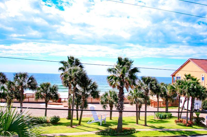 Ocean Breezes-Priv Pool-AVAIL8/9-8/16-RealJOY Fun Pass*FREETripIns4NEWFallBkgs* Walk2Beach-5BR - Image 1 - Destin - rentals