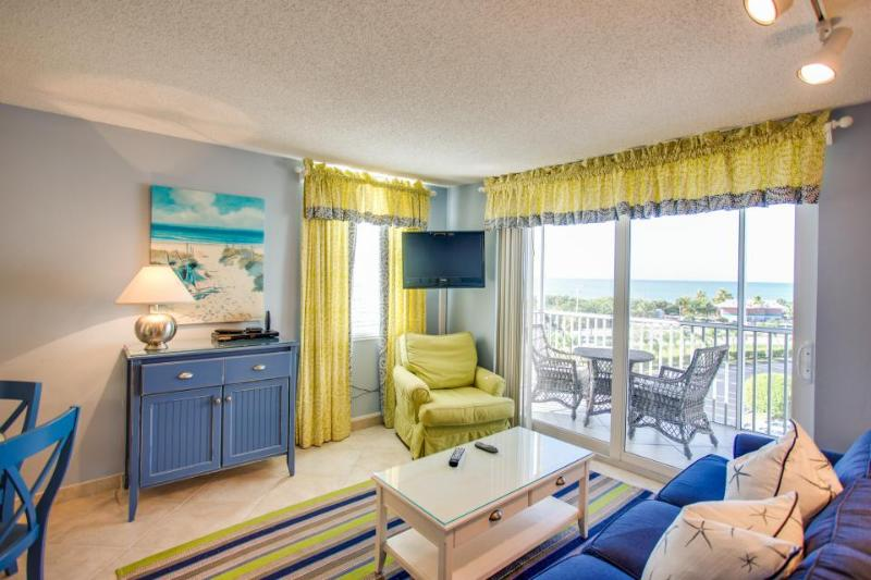 Sweeping ocean views, shared pool & hot tub and more! Walk to the beach! - Image 1 - Bonita Springs - rentals