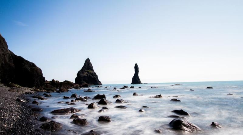 Gardar 2 on Reynisfjara beach - Image 1 - Vik - rentals