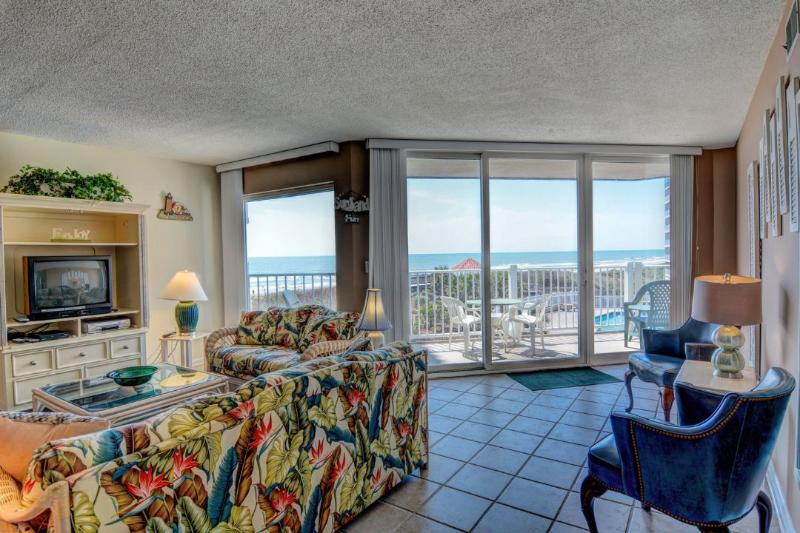 Living Room - St. Regis 3106 Oceanfront! | Indoor Pool, Outdoor Pool, Hot Tub, Tennis Courts, Playground - North Topsail Beach - rentals