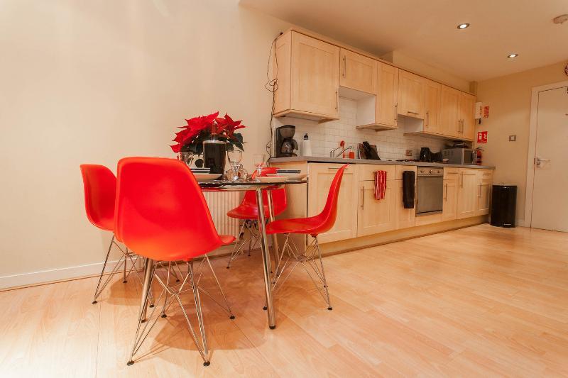 Kitchen/Dining - CityCentre MewsHouse BroughtonPlaceLaneParkingWiFi - Edinburgh - rentals