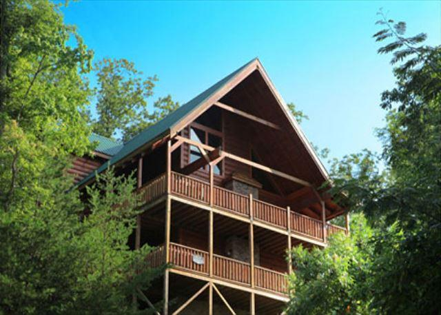 Cabin - Above it All, Steam Shower, Arcade, Dogs OK, Two Hot Tubs, Wheelchair Ramp - Gatlinburg - rentals