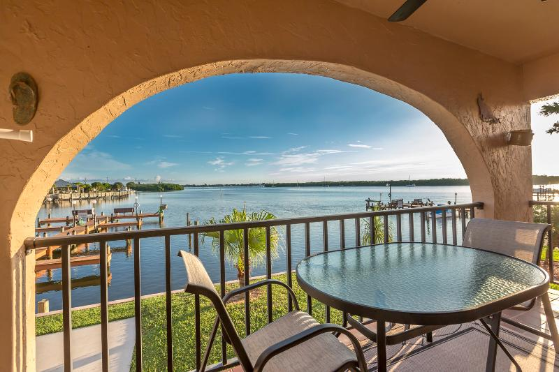 End unit position allows panoramic view. - Sitting on the Dock of the Bay! Bring Your Boat, Walk to the Beach, Relax! - Manasota Key - rentals