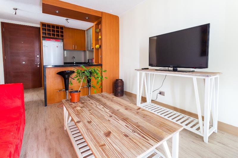 Cozy 2 Bedroom Apartment Near Araucano Park - Image 1 - Santiago - rentals