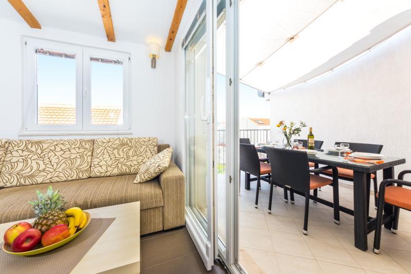 ApartmentHouse Ivana (6+2) - Image 1 - Betina - rentals