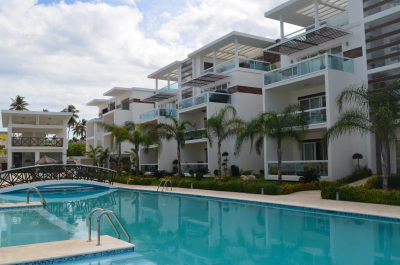 Costa Hermosa 2BR, 2BA third floor Designer Deco! - Image 1 - Bavaro - rentals
