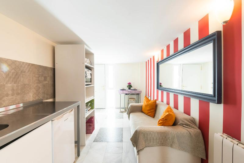 Kitchen - Convenient 4 PAX vacation apartment in Madrid city - Madrid - rentals