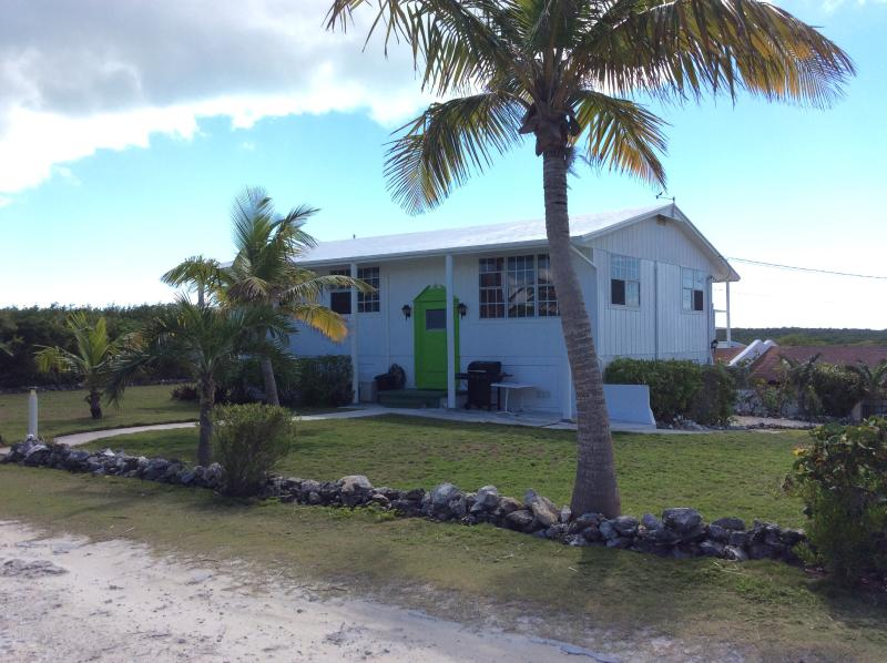 The White House (Tranquil Ocean View) - Image 1 - Great Exuma - rentals