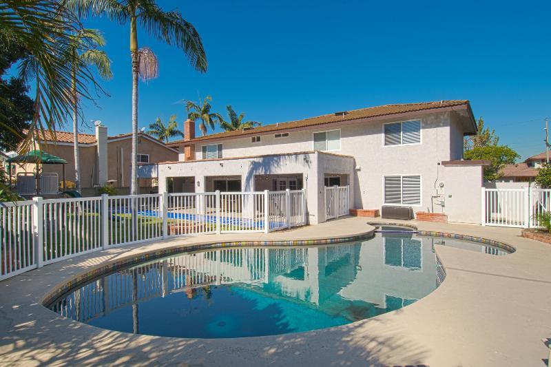 Funtierland 16, 7 Bd 5 Bth, Luxury, Pool Free wifi - Image 1 - Anaheim - rentals