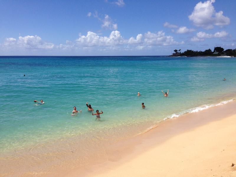Makaha Beach Park. 2 minutes from the Condo. - *FALL BOOKING SPECIAL - Makaha, Hawaii - Free wifi - Waianae - rentals
