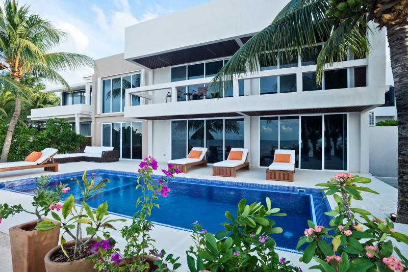 Magnificent 4 Bedroom Villa on White Sandy Beach - Image 1 - Cozumel - rentals