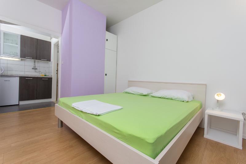Romantic  apartment for 2 , 40m from beach - Image 1 - Arbanija - rentals