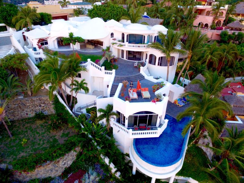 Beachfront Villa in La Punta, Manzanillo, Mexico - Image 1 - Manzanillo - rentals