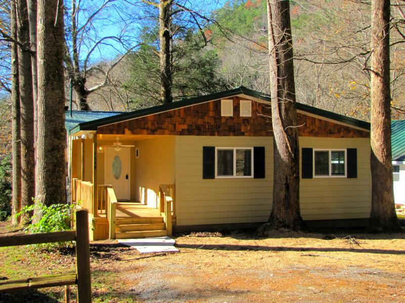 Rivers Edge Exterior - Rivers Edge - Directly on Little River - Townsend - rentals