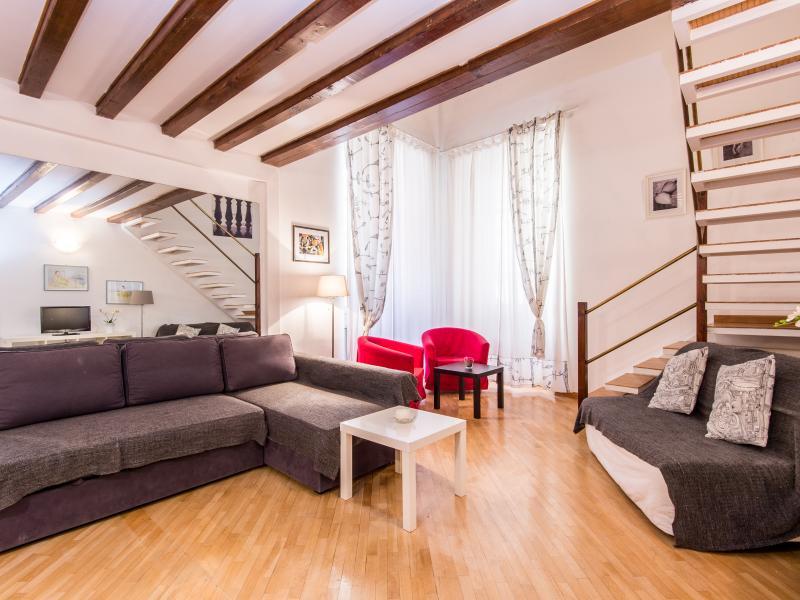 Vittoria Enchanting Apartment - Image 1 - Rome - rentals