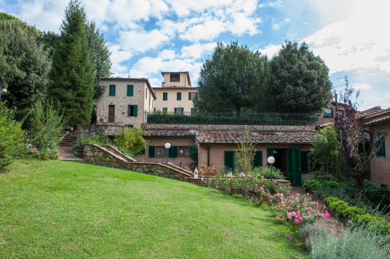 Family-Friendly Apartment Close to Siena - Terra di Siena 1 - Image 1 - Siena - rentals