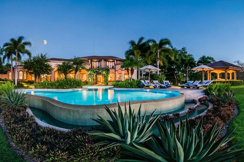 Villa Puesta del Sol, Sleeps 12 - Image 1 - Playa Panama - rentals