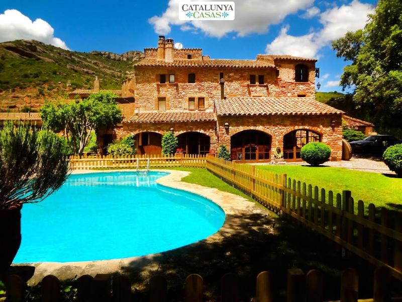 Masia Sant Llorenç for up to 18 guests in the hills of a national park - Image 1 - Sant Llorenc Savall - rentals