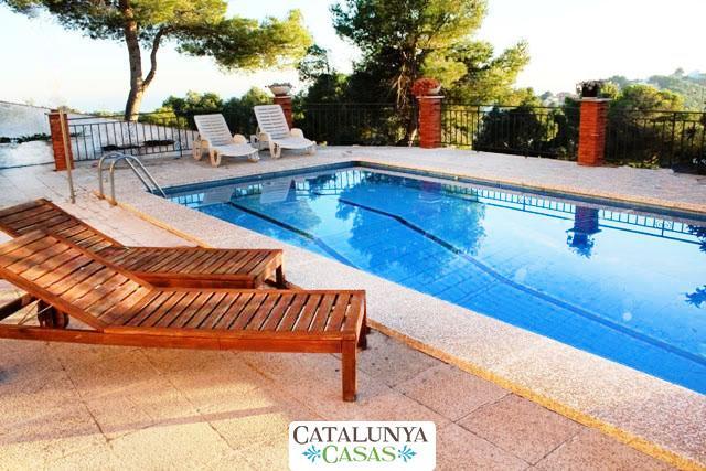 Coastal villa in Castellet, 6km from Costa Dorada beaches - Image 1 - L'Arboc - rentals