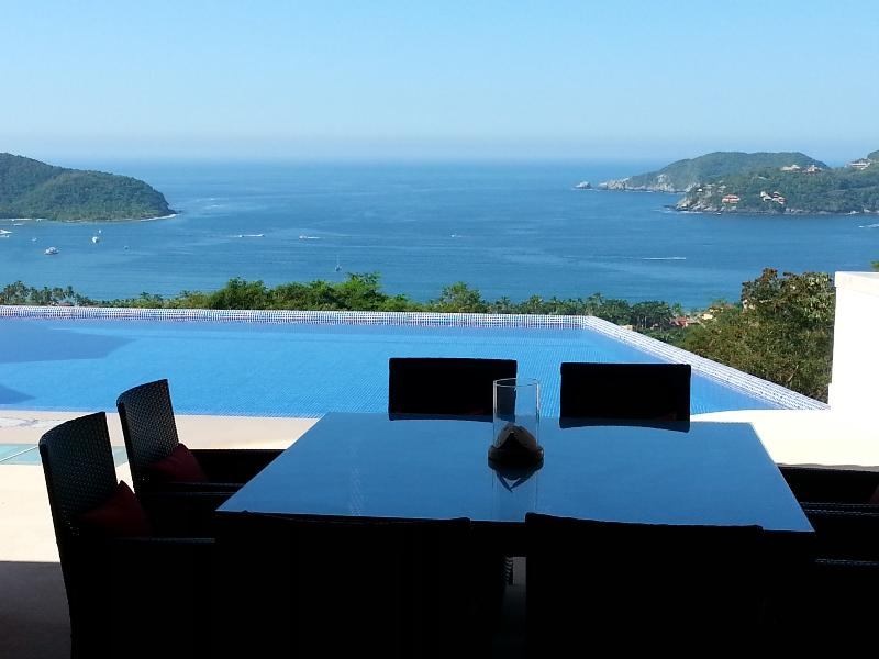 View of Zihuatanejo Bay and La Ropa Beach - SUMMER 20% 0ff (July & Aug)Casa Monarca- 5BR Villa  Beautiful Zihuatanejo Mexico - Zihuatanejo - rentals