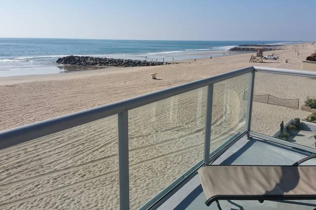 Patio View - Top Floor Studio On The Sand - Entertainers Patio - Newport Beach - rentals