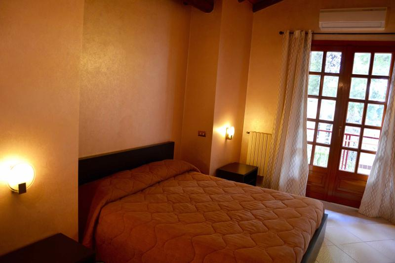 Villa Ginestra - spacious villa near Etna - Image 1 - Nicolosi - rentals