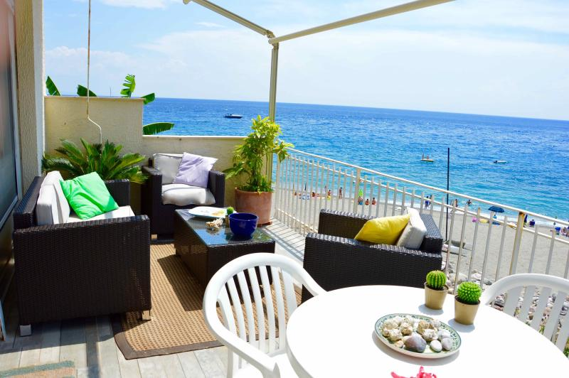 Peonia house - House on the beach near Taormina - Image 1 - Sant' Alessio Siculo - rentals