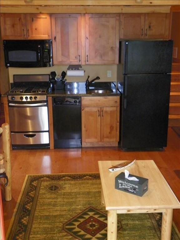 Cabin is located at the edge of beautiful Tellico - Image 1 - Tellico Plains - rentals