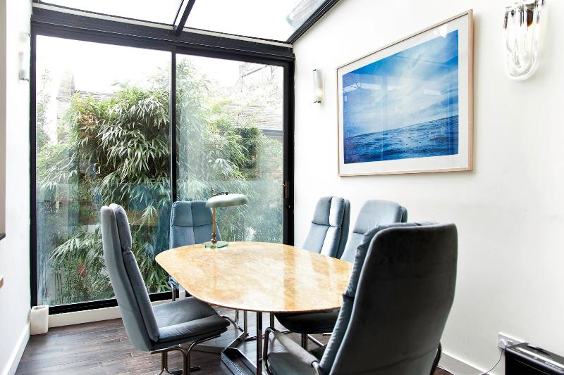 Chic and Unique, 2 bed 2 bath, All Saints Rd, Notting Hill - Image 1 - London - rentals