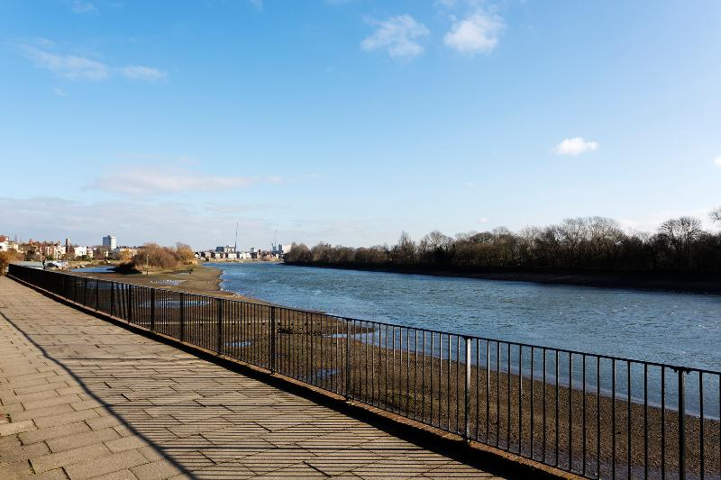 3 bed 3 bath River view, Chiswick Wharf, Chiswick - Image 1 - London - rentals
