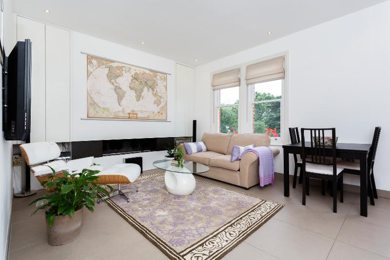 Parkside 1 bed with roof terrace, Fulham - Image 1 - London - rentals