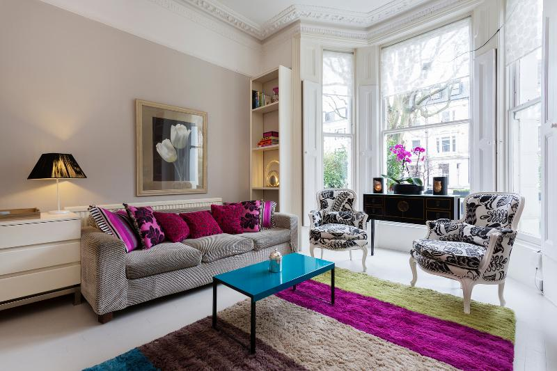 2 bed apartment on Elsham Road, Kensington - Image 1 - London - rentals