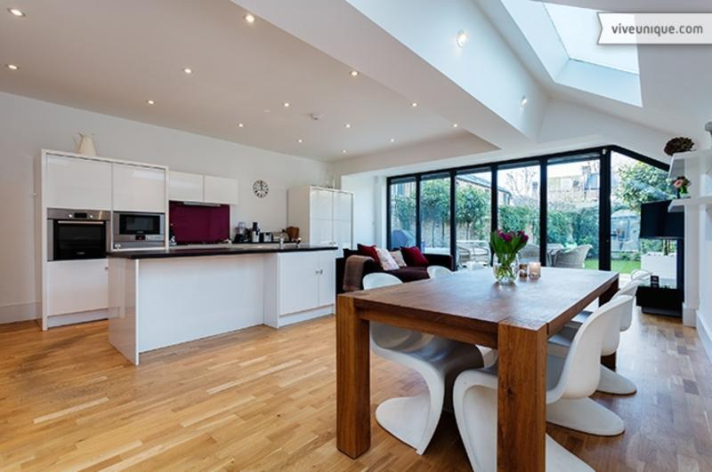 5 bed family home, Thornton Avenue, Chiswick - Image 1 - London - rentals