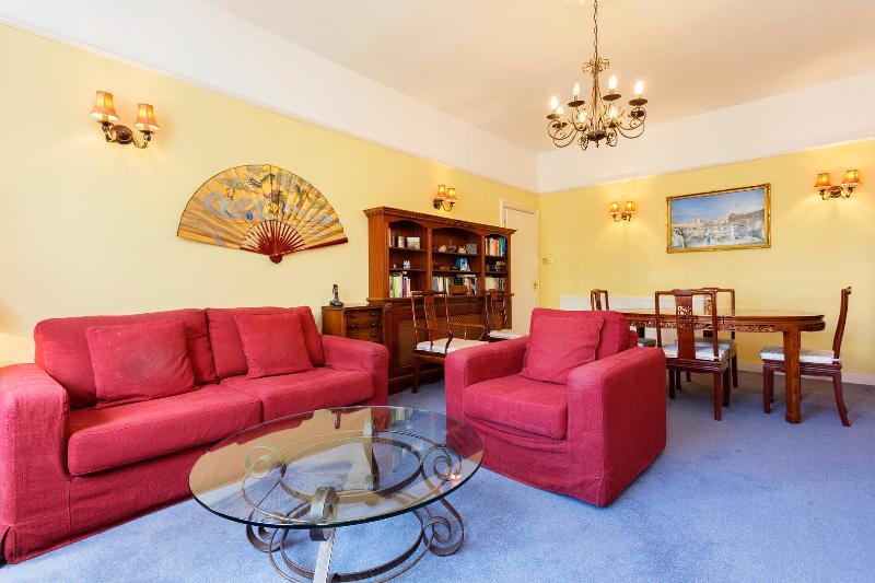 1 bed flat, Belsize Park Gardens, Camden - Image 1 - London - rentals