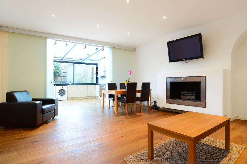 2 bed apartment, Belsize Park Gardens, Camden - Image 1 - London - rentals