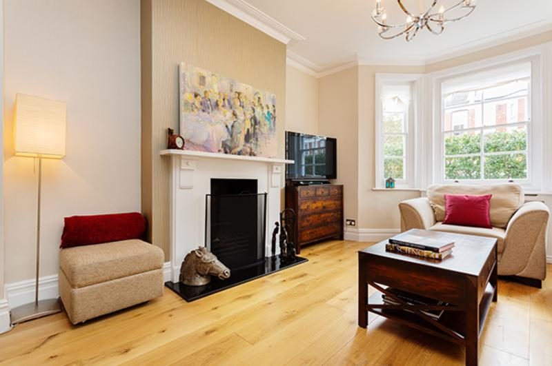 5-bedroom house with garden in Fulham, Micklethwaite Road - Image 1 - London - rentals