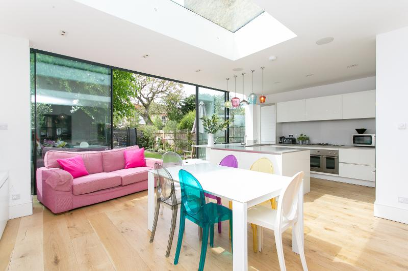 5 bed family home on Dukes Avenue, Chiswick - Image 1 - London - rentals