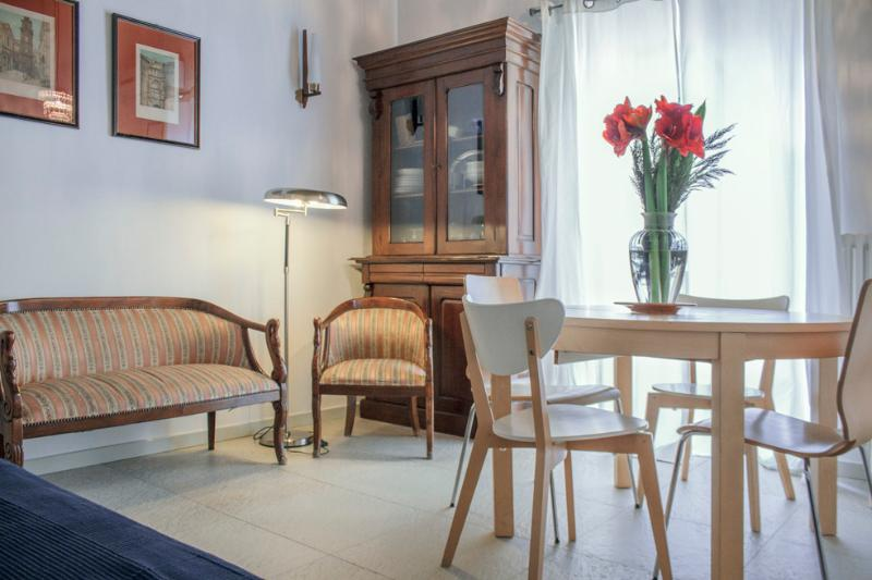 SANGREGORIO FLAT: At home in the old Naples - Image 1 - Naples - rentals