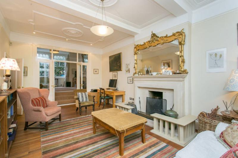Spacious 4 bed house, Ennismore Avenue, Chiswick - Image 1 - London - rentals