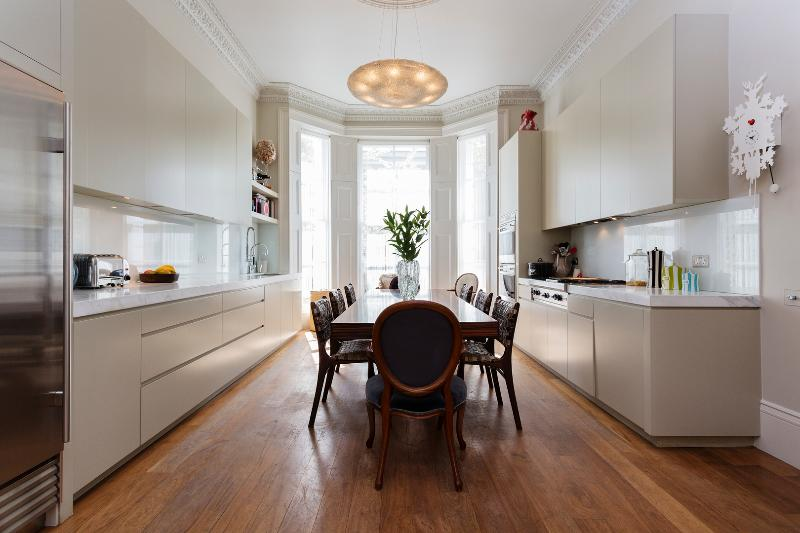 Fabulous 4 bed house on Russell Road, Kensington - Image 1 - London - rentals