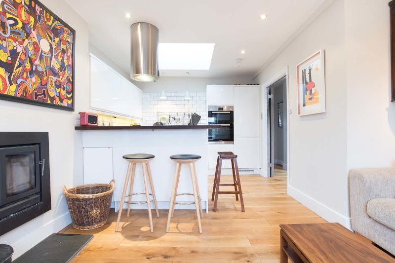 2 bed open-plan flat, Dartmouth Park Road, Tufnell Park - Image 1 - London - rentals