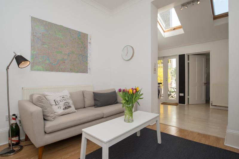 3 bed house, Healey Street, Kentish Town in Camden - Image 1 - London - rentals