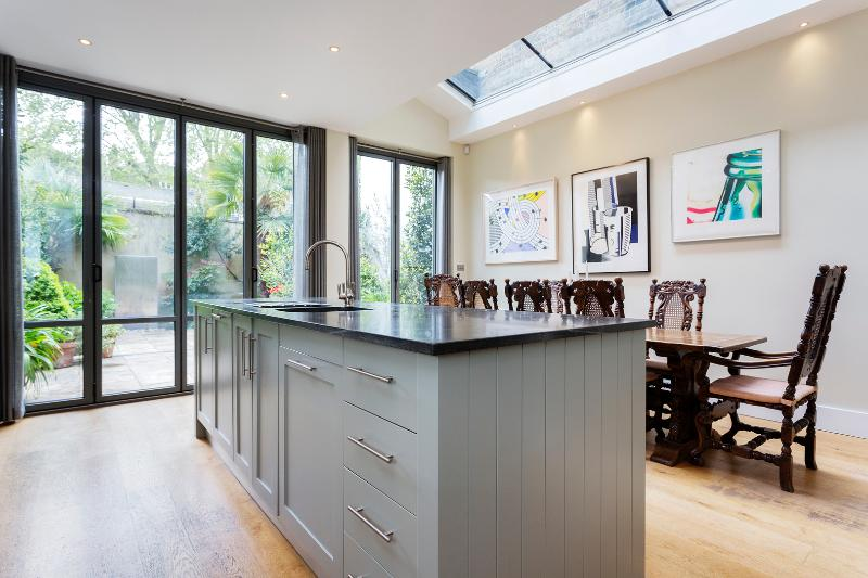 4 bed townhouse on Blenheim Crescent, Notting Hill - Image 1 - London - rentals