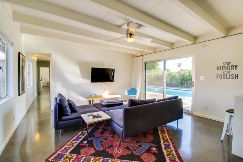 Private pool, guesthouse, & close to Palm Springs airport! - Image 1 - Palm Springs - rentals