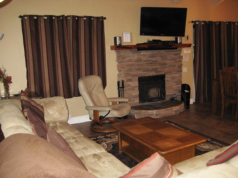 Living Room - Horizons 4 - HZ158 - Mammoth Lakes - rentals