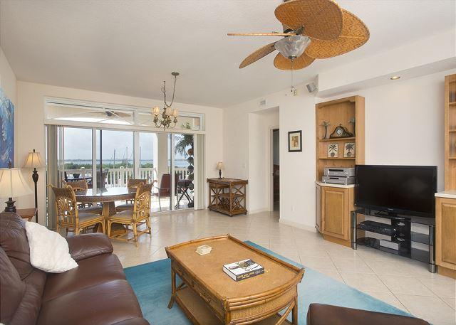 30 night minimum stay requirement. Boater's Dream 2 Bedroom 2 Bathroom Condo - Image 1 - Key West - rentals