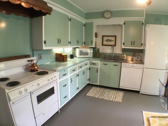 Luna's Beach Cottage - Image 1 - Greenport - rentals