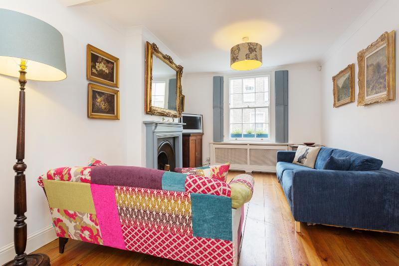 A sweet two-bedroom Victorian Cottage, by Camden Lock. - Image 1 - London - rentals