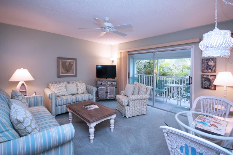 Units sleeping six will have two double beds, a queen sleeper sofa, bath kitchen, living/dining area - Steps to the Beaches of Sanibel at Colony Inn - Sanibel Island - rentals